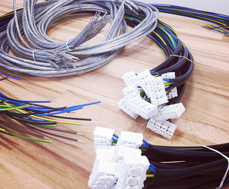 [:cs]Kabelová konfekce[:en]Cable Confection[:de]Kabelkonfektion[:ru]Кабельная конфекция[:]